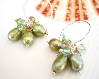 Leihulu, Light Green - Earrings / Freshwater Pearl, Swarovski Crystal, Sterling Silver