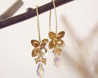 Honeysuckle Dewdrop - Earring / Gold, Swarovski Crystal