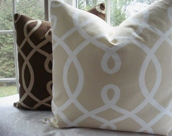 Duralee--Decorative Designer  Pillow Cover--Designer Fabric-- Geometric--Throw Pillow -Accent Pillow--Cream and Ivory