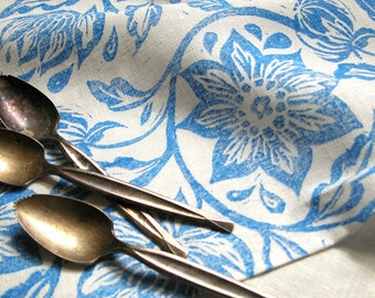 everyday sky blue on white passionflower hand block printed floral linen napkins hostess gift set of 4