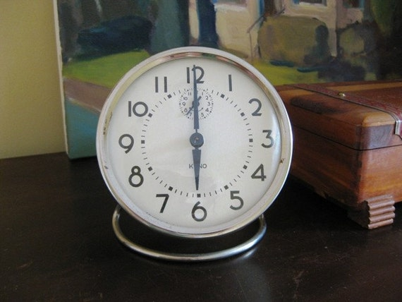 What Time is It-  Big Face Retro Alarm Clock