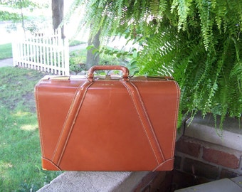 Reduced  Vintage leather suitcase