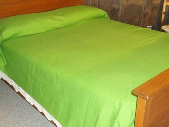 Vintage lime Ribcord sears bedspread