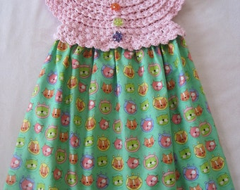 Crochet and Fabric Dress. COLOURFUL CATS. Baby Dress, and HEADBAND.  Cotton Fabric Dress.  Green and Pink Dress.  Baby to 24 Months.