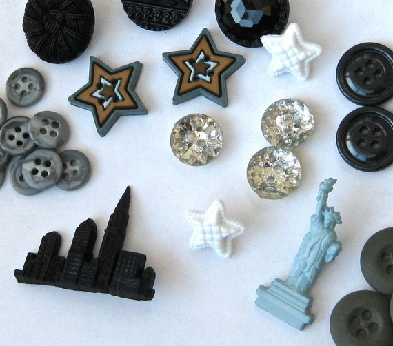 Buttons - Loving the Night Life -  Stars, Skyline and Statue of Liberty with Assorted rounds - Plastic Buttons
