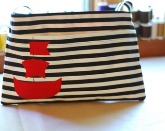 itty bitty pirate ship satchel