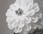 Crepe Bridal Set, Hair Accessory, Silk Flowers, Silver Metallic, Dangles, Bira Bira, Flutters, Metal, Wedding, Tsumami Kanzashi
