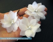 Wedding Accessory Bridal Hair, Petite Airy Flowers (Set of 3) - small flowers, pearls, bobby pins, headpiece, hair comb, white, ivory