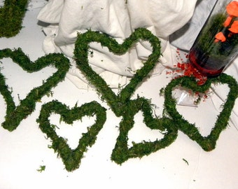 Moss Hearts in 5 assorted sizes-Bendable moss and wire hearts for weddings and more
