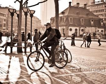 Frankfurt Photograph. Fahrrad/Cycling in Frankfurt, Germany. 8x12
