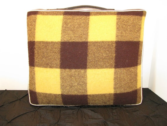 Vintage Wool Plaid Picnic Blanket and Pillow Tote