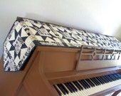 Musical Quilted Piano Runner, Piano Topper Quilt, Black and White Piano Runner, Three Sizes availavle - MADE TO ORDER