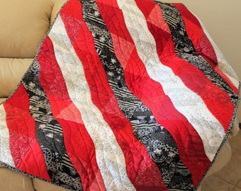 Quilted Throw in Red, Black and White, Wheelchair quilt, Toddler Quilt, Handmade Patchwork Lap quilt