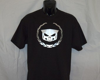 Wreath and Skull T
