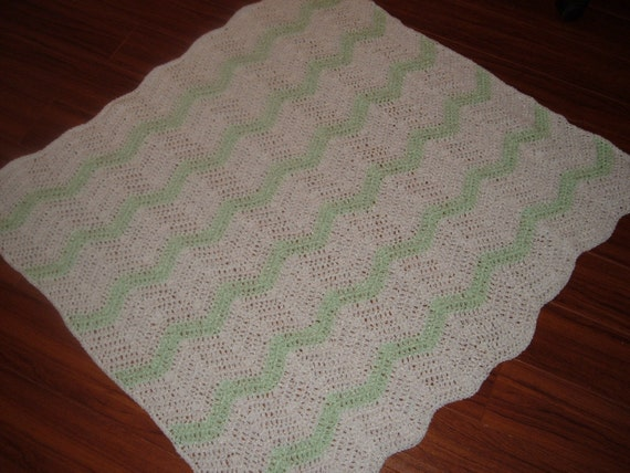 Crochet Blanket in Green and White for Baby