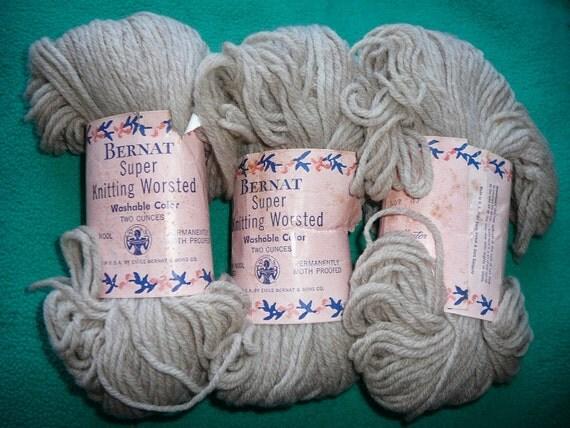 VINTAGE --- Bernat Super Knitting Worsted Wool Yarn --- 3 Skeins --- Beige