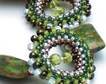 Green Stone Statement Beaded Bracelet Rings of Tranquility