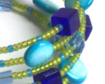 Memory Wire Bracelet in the Colors of the Caribbean Sea
