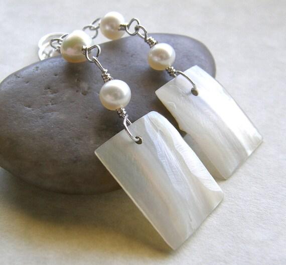 Pearl and Shell Earrings, Beach Boho Earrings, Bridal Earrings, Wedding Jewelry, White Ivory Earrings