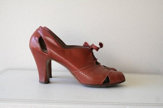 vintage 1930s Oxford Heels