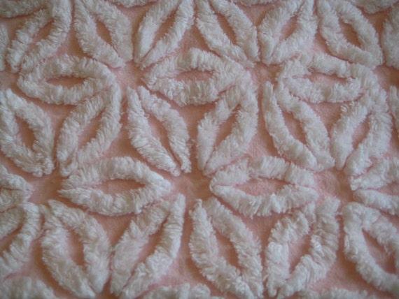 Pink Hofmann Daisy Vintage Chenille Fabric