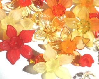 20 Acrylic Flower Beads - Heatwave Daffodil - 27mm