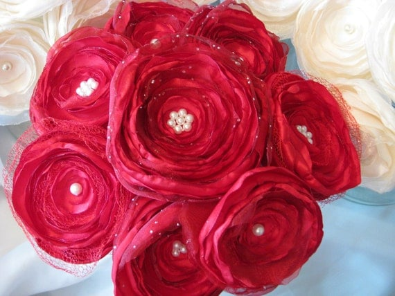 WEDDING RED satin and tulle Bouquet