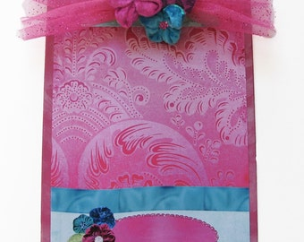 Altered Clipboard Pink Velvet Passion