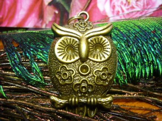 Big Eyed Hoot Owl Pendant