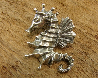 SeaHorse - Sterling Silver Seahorse Pendant - One Piece - psh