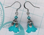 FREE SHIPPING-Lucite Flower Earrings, Indicolite Crystal , Turquoise Earring, Art Nouveau, Antique Silver, Vintage Earrings, My Julie Jewels