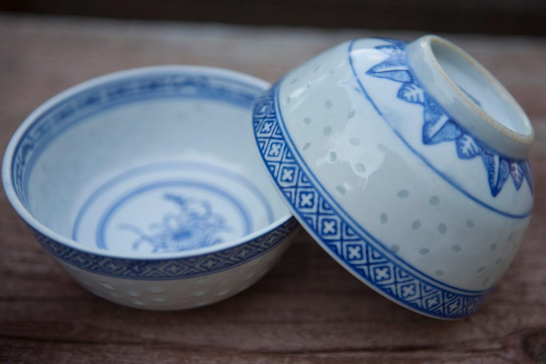 Blue & White Rice Pattern Chinese Porcelain Bowls Dessert