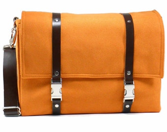 Camera + laptop messenger bag - orange