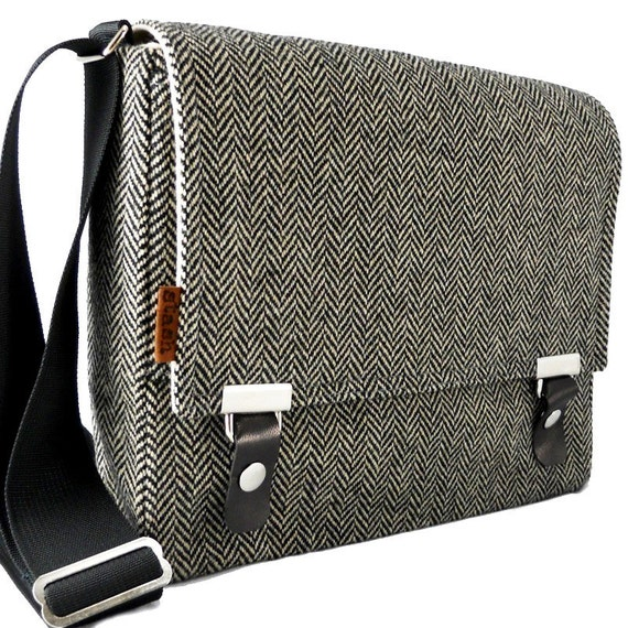 iPad messenger bag  -  gray herringbone  wool