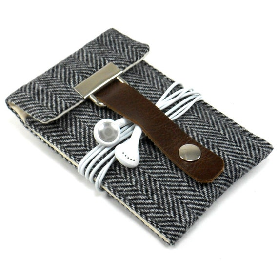 iPhone 5 case - gray herringbone wool