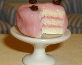 Vanilla and Strawberry Cake - 1\/12 miniature