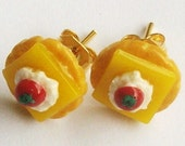 Cheese cracker canapes-Earrings