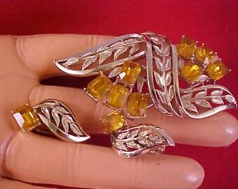 Adolph Katz ~  PEGASUS CORO AMBER Emerald Cut  Rhinestone Demi Parure - Brooch & Earrings