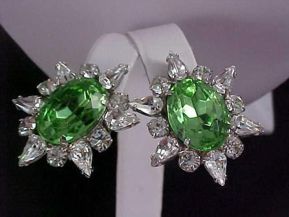 Striking Exquisite Peridot & Diamante Rhinestone Silver rhodium Plate Clip Earrings