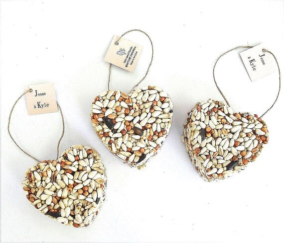 100 petite bird seed hearts personalized tags, birdseed wedding favor, love birds
