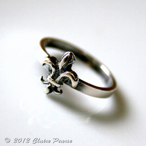 FLEUR DE LIS - Oxidized Fine Silver and Sterling Silver Ring, Eco Friendly, Recycled Fine Silver - Made to Order
