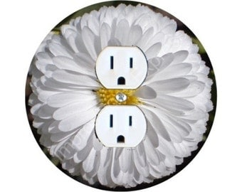 White Daisy Flower Duplex Outlet Plate Cover