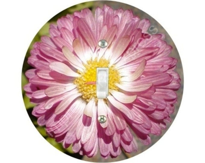 Pink Daisy Flower Single Toggle Switch Plate Cover