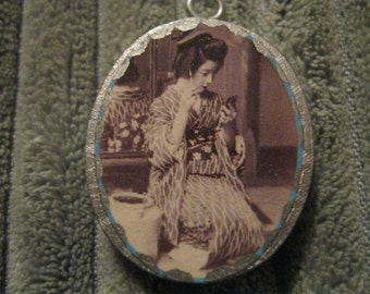 Geisha Girl Pendant - Silver