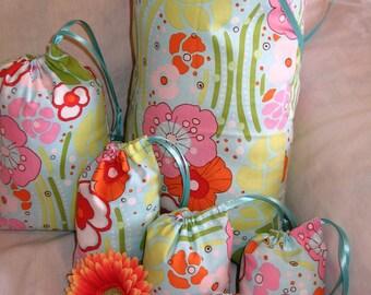 Gift Bags Set of 6 Fun Funky Flowers Modern Chic Orange, Aqua, & Pink Travel Favor Treat