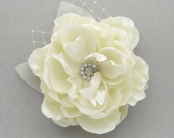 Bridal flower fascinator, hair clip - Lauren
