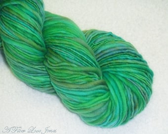 Seafoam Laguna Handspun 1 - 190 yds - Thick & Thin - Singles - Squishy - Knitting - Crochet - Weaving - Mixed Media - Fiber Arts - Textiles