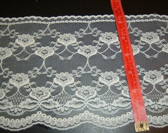Wide (7 inches ) WHITE lace trim  5 yds  (D625)