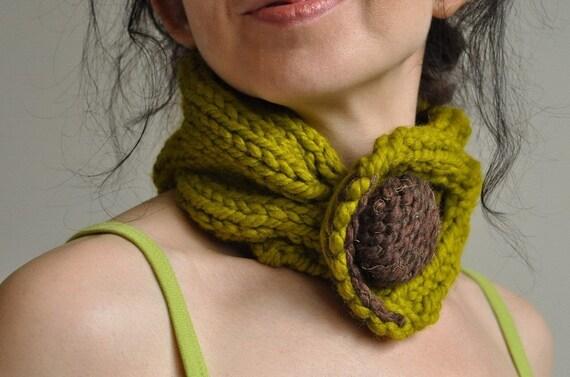 Lemongrass Fantasy - classic cable handknit neckwarmer \/ choker \/ collar \/  headband with huge button