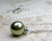 Light Green Pearl Necklace, Swarovski Pearl Sage Green Pendant, Bridesmaid Necklace, Bridal Jewelry Gift, Spring Wedding Jewelry, Handmade